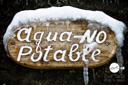 Agua no potable y congelada